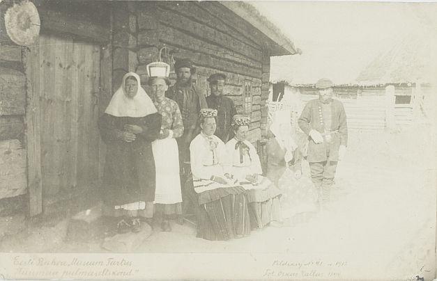 83670795b5b 1912.a. Tiraaž 289. Woldemar Thomsoni fotoäri. Sama motiiviga on ka Nr.  275. Foto: Oskar Kallas (1868-1946) Hiiu pulmaseltskond 1894.