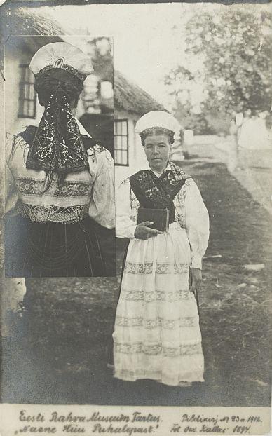 ea2e51486cf Nr. 23: Naine Pühalepast Hiiumaal. ERM Pk 1:1/23 1912.a. Tiraaž 249.  Woldemar Thomsoni fotoäri. Fotod: Oskar Kallas (1868-1946)